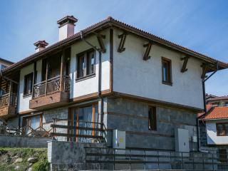 Ski Chalet Bansko, 2 Bed, Great Location & Reviews