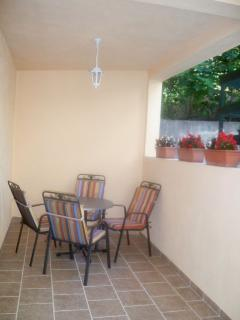 A4 (3+1): terrace