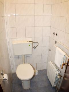 A2 Zaborke(5): bathroom with toilet