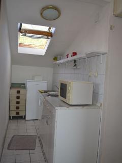 A5(4): kitchen