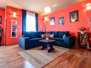 Apartment Riko, Valtura