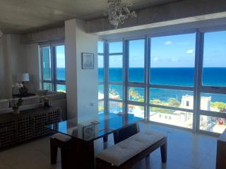 Atlantis Getaway: HGTV-featured Luxury 1-BR Loft, San Juan
