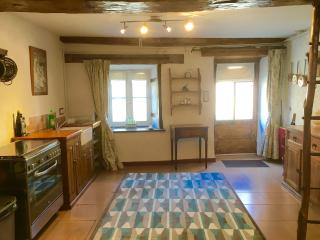 2 bedroom Holiday home in Confolens