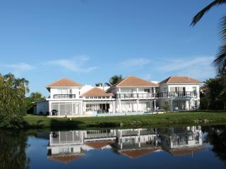 Lake View Villa, Michelin Star Chef, Maid & Butler, Bávaro