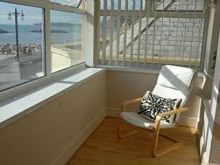 Sidmouth Holiday Flat - On the seafront, A1 views