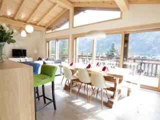 Marmotte Mountain Eco Lodge - stunning views, Chamonix