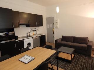 2 bedrooms near République /120