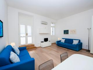 AL PORTO One-Bedroom Apartment with Sea View, Rovinj