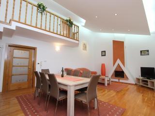 VILLA NERA Three-Bedroom Apartment, Pula
