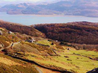Agnes Fach Holiday Cottage with Snowdonia Panorama, Barmouth