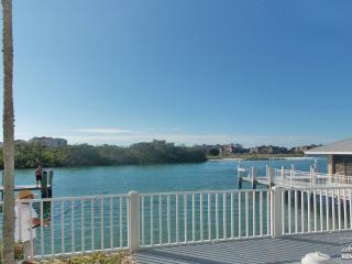 Perfect for those who enjoy a life on the water! LAST MINUTE SPECIAL $150 PER NIGHT +!!!, Marco Island