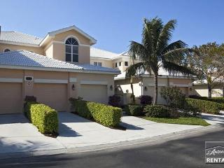 Gorgeous top floor coach home in the exclusive Fiddler's Creek, Naples
