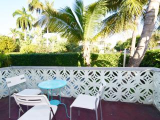 Charm 2BR at 5min to the beach, Miami Beach
