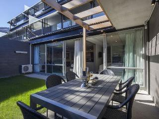 G2 Hallenstein Garden Apartment, Newly built, 5 minutes to central Queenstown