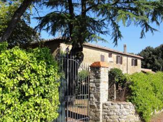 Casa del Castagno, Lucignano