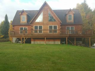 Log Home w/ first class amenities near OKEMO Mtn