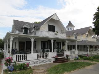12 Samoset Avenue Oak Bluffs, MA, 02557, Edgartown