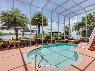 Outstanding Luxury Bayfront Pool Home - New Rental with Deeded Beach Access - Code: Bahama Breeze, Fort Myers Beach