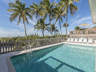Crane Duplex - Amazing Beachfront Home for Large Families and Groups sleeping