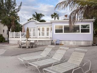 Whatever Your Dream Vacation includes, this house has it! - Whatever, Fort Myers Beach
