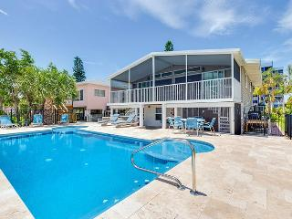 Bay and Beach Blessing is steps from the beach and on Matanzas Bay with New Pool and Dock - Code: Bay and Beach Blessing, Fort Myers Beach