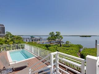 Absolutely Incredible Bayfront Executive Dream Home - Flamingo Harbour Villa