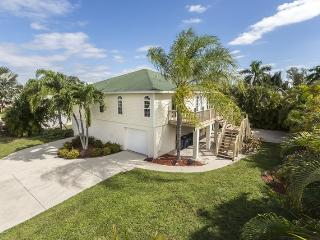 Hidden Treasure is your North End Vacation Dream Home - Code: Hidden Treasure, Fort Myers Beach