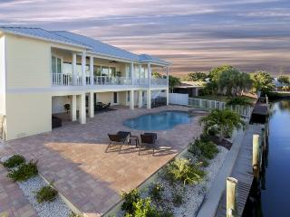 Brand New 5 BR Executive Canal Home with Private Pool and dock - Code: Sandy Getaway, Fort Myers Beach