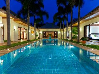 Villa 87 - Beach front luxury with Thai chef service and shared gym