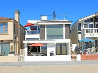 Beautiful 3 Bedroom Newport Oceanfront Condo! Come & Enjoy the Views! (68239), Newport Beach
