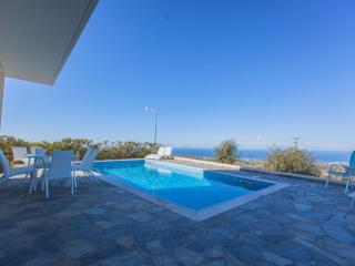Luxury 4 Bed Villa - Jacuzzi - Sauna -Private Pool