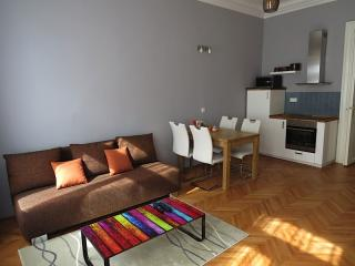 Central Luxury apartment in MaláStrana with WiFi & lift., Prague