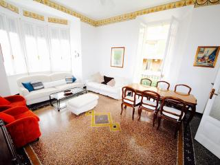 GARIBALDI 4BR-terrace in center city by KlabHouse, Santa Margherita Ligure