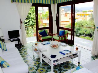 COSTA 4BR-private garden near the sea by KlabHouse, Santa Margherita Ligure
