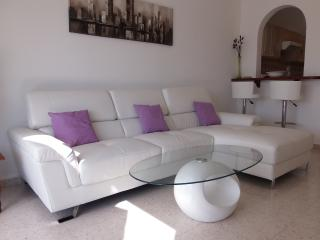 Kato Paphos Tourist Location - Stunning 2 Bed Apt