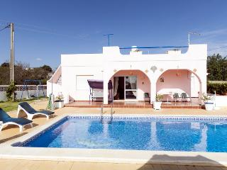 Lovely Villa with Private Pool in Albufeira