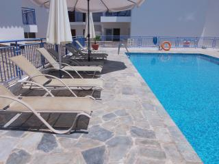 Stunning Sea Views - 2 Bed House - Communal Pool