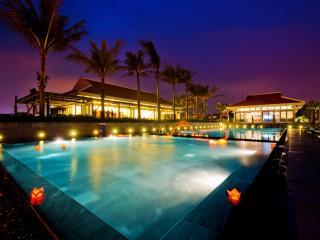 Luxury Garden Apartment by Pool in 5* Ocean Resort