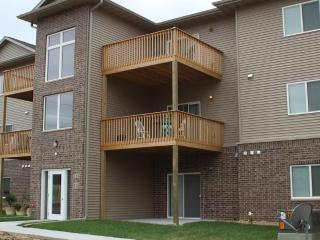 2 Bed/ 2 Bath Waterloo West Hills Condo