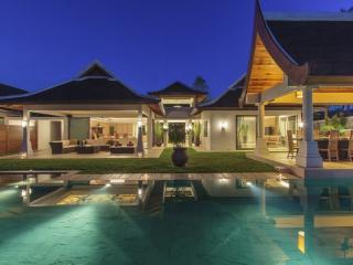 Villa 42 - Beach front (sleeps 14 + 6 kids) in-villa chef service and shared gym