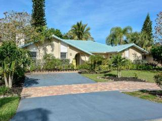House - Edenbridge Gardens, Bonita Springs