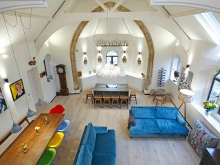 5 Star Uber Cool Converted Church, Oswestry