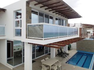 Beautiful New & Modern 3 Bedroom Beach House, Santa Marianita