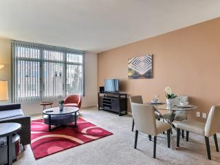 Convenient and Amenities Galore!, Vue sur la montagne