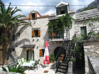 Village holiday home*** with incredible sea views, Podgora