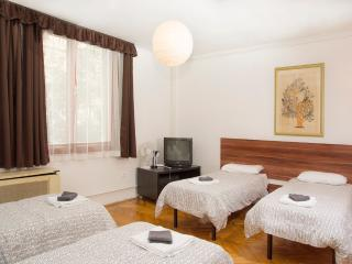 Little Mouline very cute apartment near Oktogon, Budapest