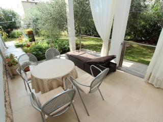 EL CORSARO One-Bedroom Apartment (#2), Rovigno