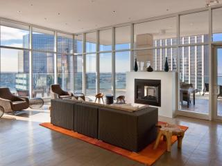 MASTER SUITE IN LUXURY HOTEL, New York City