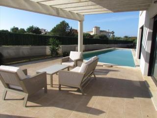 Villa de diseño con piscina y mini-golf. Aire Aco., Llucmajor