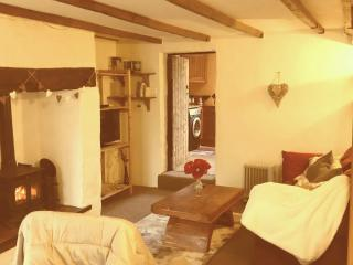 Madera Cottage - 2 bed in pretty country village, Hedley on the Hill